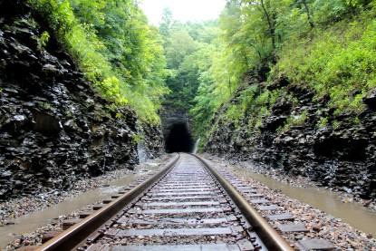 Ridgetop tunnel